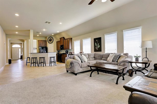 Ranch,Traditional, Cross Property - Pearland, TX (photo 5)