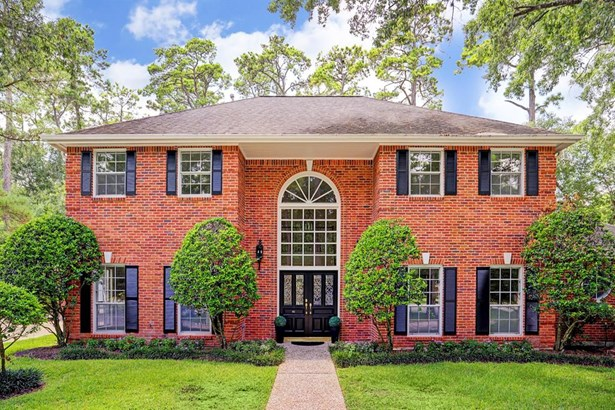 Traditional, Single-Family - Bunker Hill Village, TX