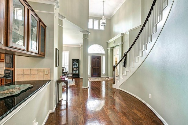 French,Traditional, Cross Property - Houston, TX (photo 2)