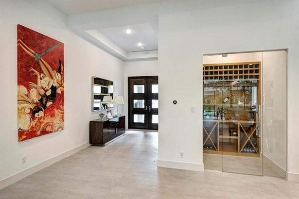 Cross Property, Contemporary/Modern - West University Place, TX (photo 2)