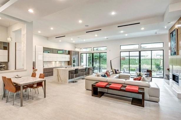 Cross Property, Contemporary/Modern - West University Place, TX (photo 3)