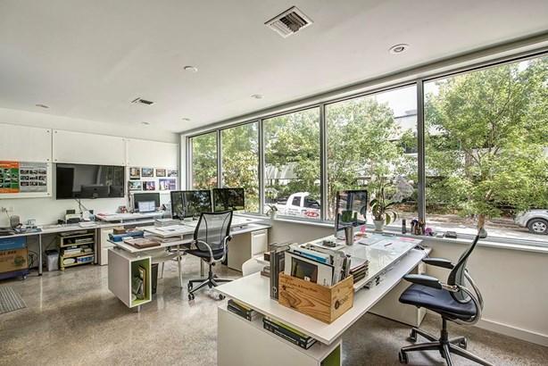 Townhouse, Contemporary/Modern - Houston, TX (photo 4)