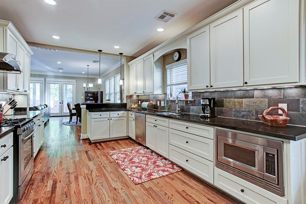 Traditional,Victorian, Cross Property - Houston, TX (photo 4)