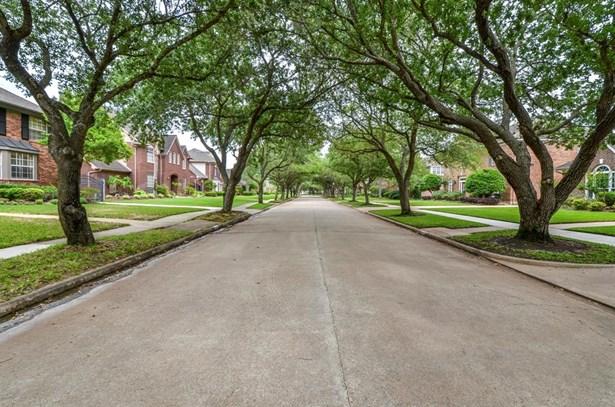 Traditional, Cross Property - Sugar Land, TX (photo 2)