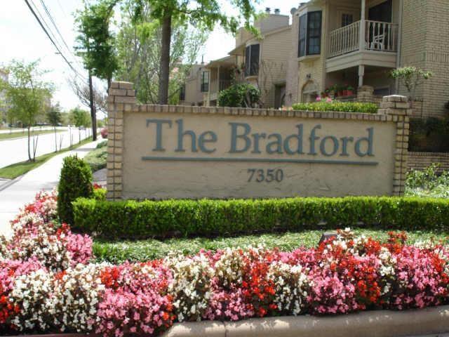 Townhouse Condominium, Traditional - Houston, TX (photo 1)