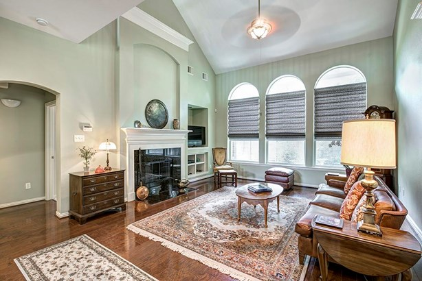 French,Traditional, Cross Property - Houston, TX (photo 5)