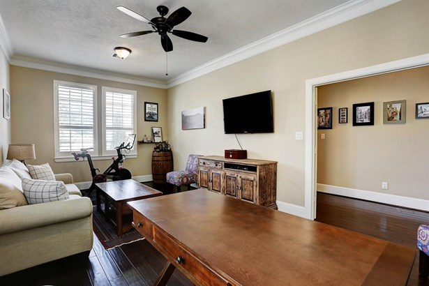 Traditional, Cross Property - Humble, TX (photo 5)
