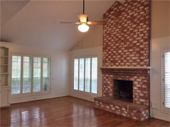 Single Family Detached, Traditional - Houston, TX (photo 4)