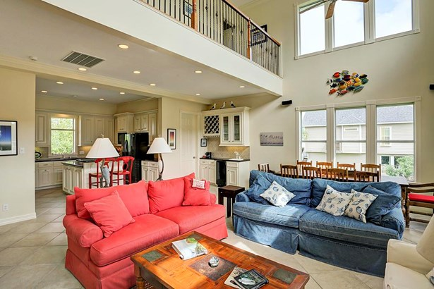 Cross Property - Galveston, TX (photo 2)