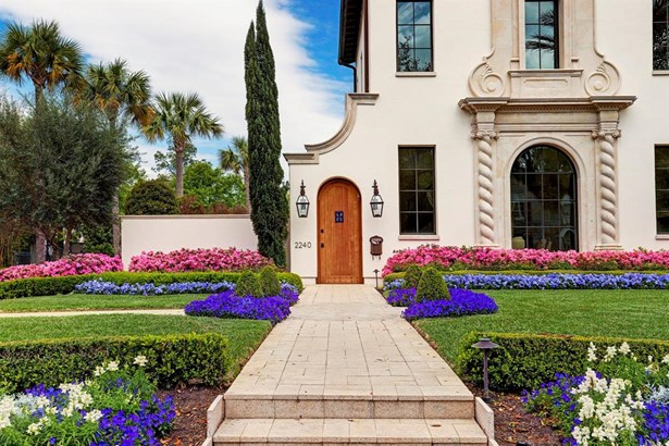 Mediterranean,Spanish,Traditional, Cross Property - Houston, TX (photo 2)