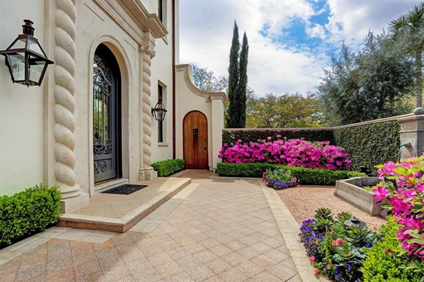 Mediterranean,Spanish,Traditional, Cross Property - Houston, TX (photo 3)
