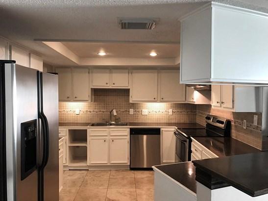 Contemporary/Modern,Traditional, Townhouse Condominium - Houston, TX (photo 5)