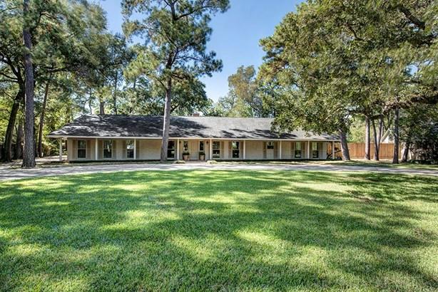 Ranch,Traditional, Cross Property - Hunters Creek, TX (photo 1)