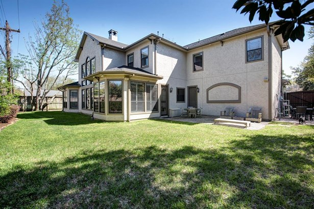 Traditional, Cross Property - Spring Valley Village, TX (photo 2)