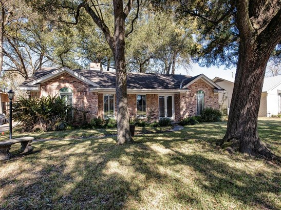 Ranch,Traditional, Cross Property - Spring Valley Village, TX (photo 1)