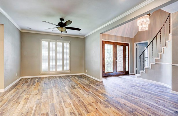 Traditional, Cross Property - Houston, TX (photo 4)
