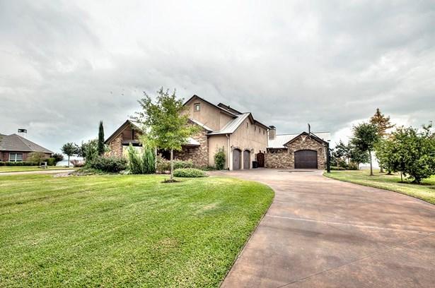 Traditional, Cross Property - Livingston, TX (photo 3)