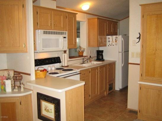 Mfg/Mobile Housing - Apache Junction, AZ (photo 3)