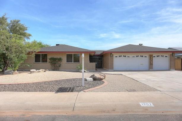 Single Family - Detached, Ranch - Tempe, AZ (photo 1)