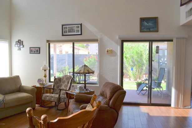 Single Family - Detached, Contemporary - Apache Junction, AZ (photo 4)