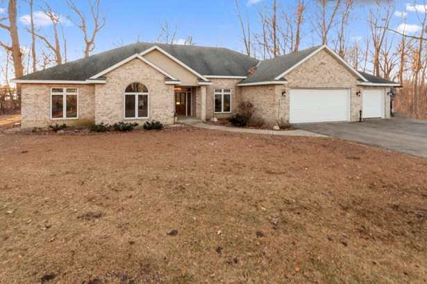 1 Story, Ranch - Waterford, WI