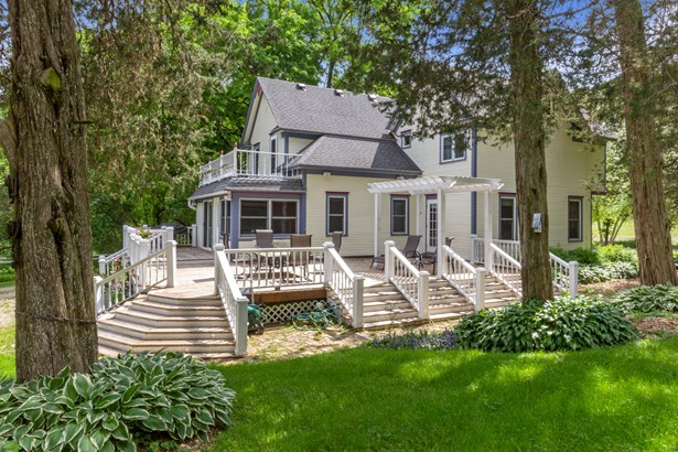 Farm House,Victorian/Federal, 2 Story - Burlington, WI
