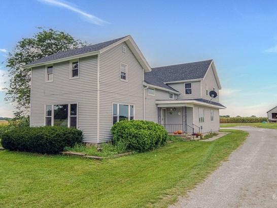 Farmhouse, 2 Stories - Harvard, IL