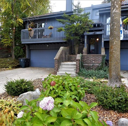 Condominium, 2 Story - Lake Geneva, WI (photo 1)