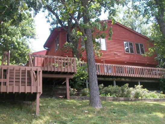 Ranch, 1 Story,Exposed Basement - Whitewater, WI (photo 2)