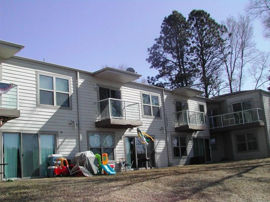 Association,Townhouse,View of Water,Waterfrontage on lot - Whitewater, WI