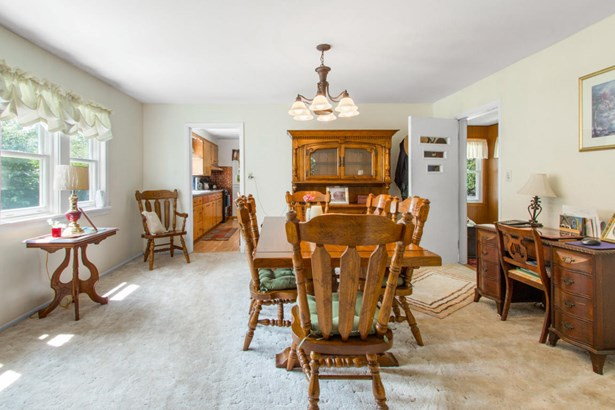 Victorian/Federal, 2 Story - Walworth, WI (photo 3)