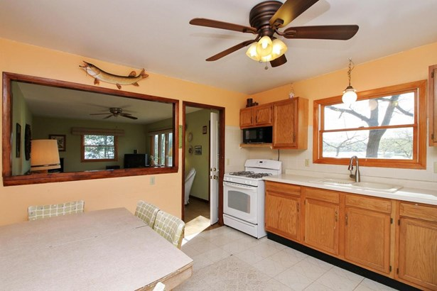 Ranch, 1 Story,Exposed Basement - Whitewater, WI (photo 4)