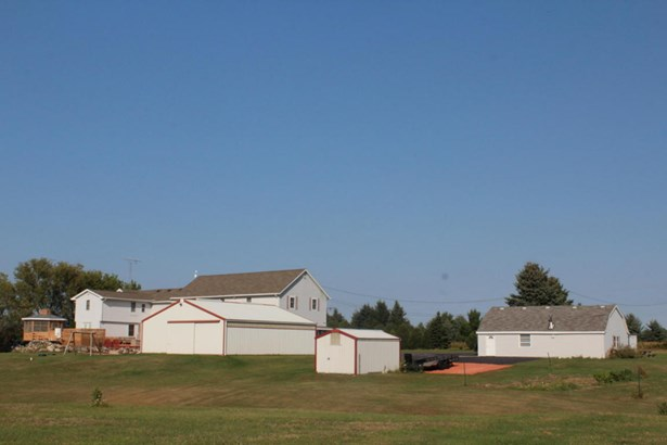 Colonial,Farm House, 2 Story - Whitewater, WI