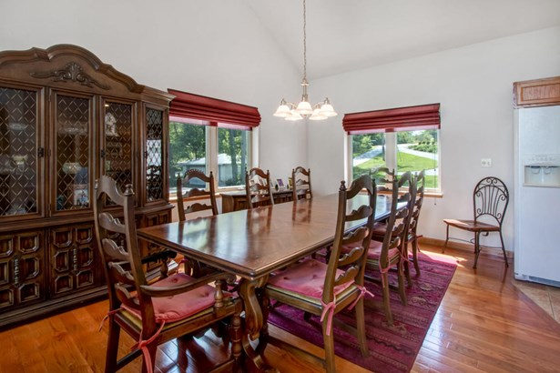 Contemporary, 2 Story,Exposed Basement - Elkhorn, WI (photo 5)