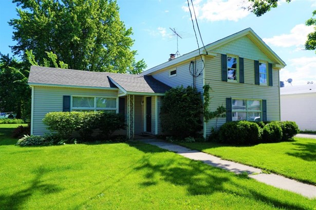 Duplex/2 Story - Walworth, WI (photo 1)