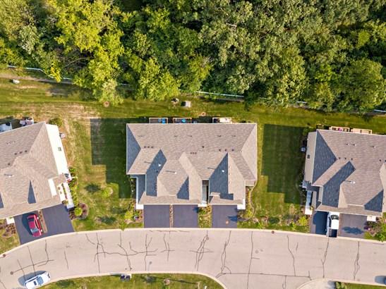 Townhouse-2 Story - Fox Lake, IL