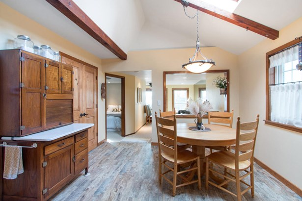 1 Story,Exposed Basement, Bungalow - East Troy, WI (photo 5)