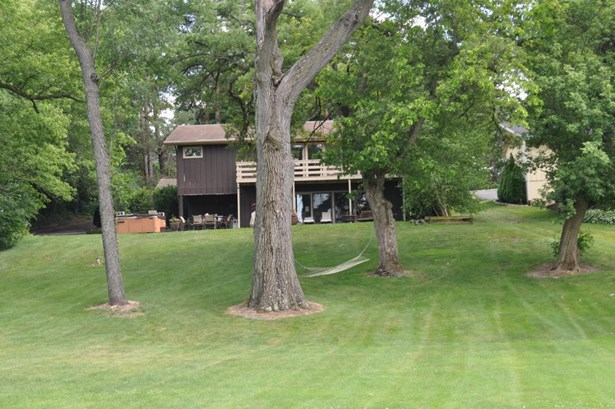 Ranch, 1 Story,Exposed Basement - Elkhorn, WI (photo 1)