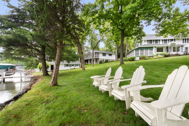 Colonial, 2 Story - Elkhorn, WI