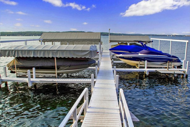 2 Story, Tudor/Provincial - Lake Geneva, WI (photo 3)