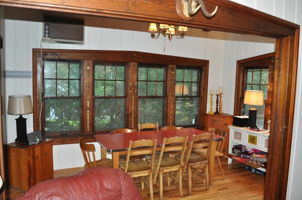 1 Story, Bungalow - Elkhorn, WI (photo 3)