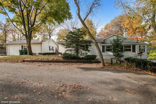 Raised Ranch, 1 Story,Exposed Basement - Genoa City, WI (photo 1)