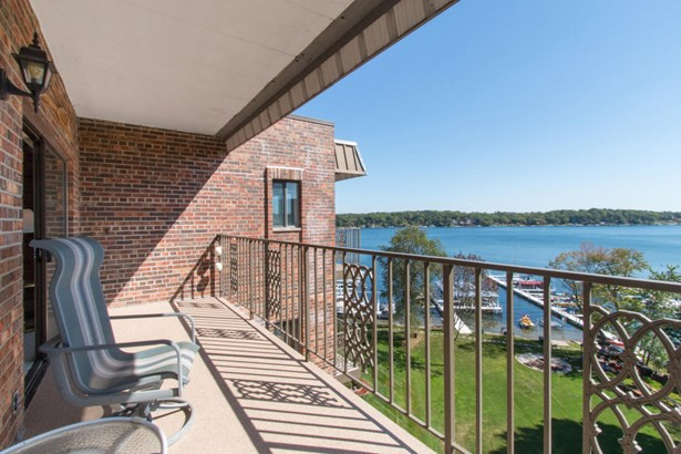 1 Story,End Unit - View of Water,Water Access/Rights,Waterfrontage on Lot (photo 4)