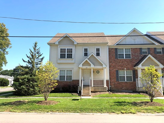 Townhouse-2 Story,Residential Rental - Harvard, IL