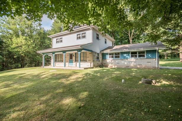 Colonial, 2 Story - Mukwonago, WI (photo 1)
