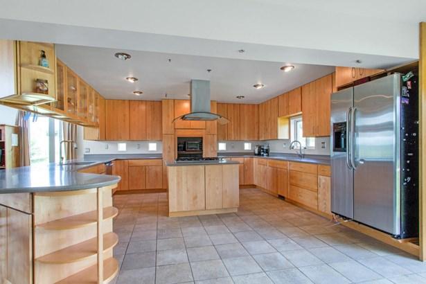 1.5 Story, Contemporary,Ranch - Burlington, WI (photo 4)