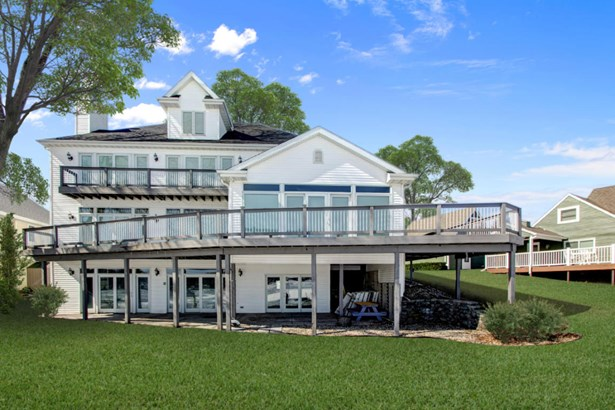 Contemporary, 2 Story,Exposed Basement - Whitewater, WI (photo 1)