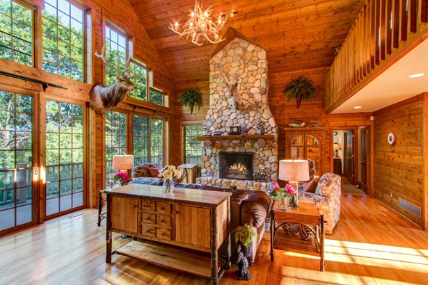 1.5 Story, Log Home - Elkhorn, WI (photo 3)