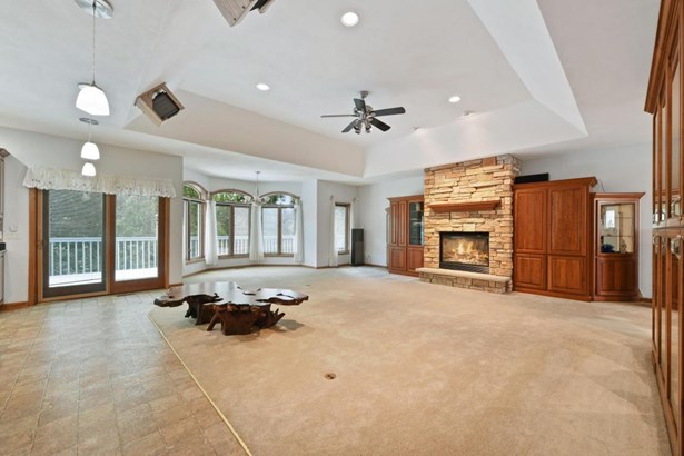 Ranch, 1 Story,Exposed Basement - Burlington, WI (photo 4)