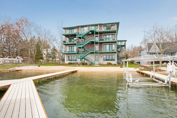 1 Story - View of Water,Water Access/Rights,Waterfrontage on Lot (photo 1)